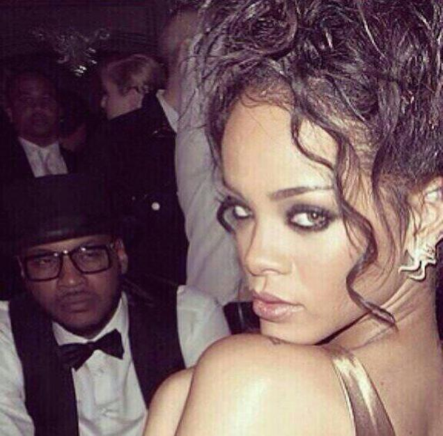 He's a picture of New York Knicks' forward Carmelo Anthony staring creepily at Rihanna.